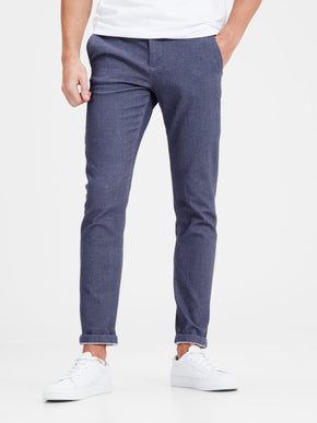 TEXTURED SLIM FIT PANTS