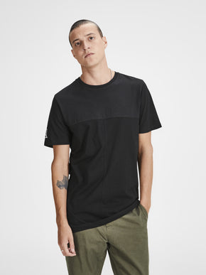CORE PRINT T-SHIRT WITH STITCH DETAILS