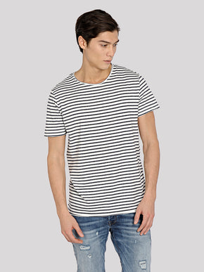 SLIM FIT STRIPED T-SHIRT
