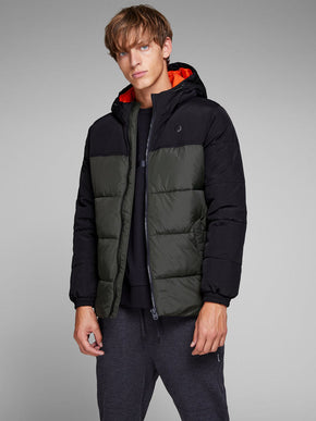 WATER-REPELLENT HOODED COLOURBLOCK JACKET