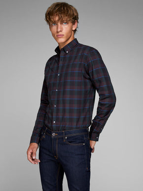 SLIM FIT CHECKERED DRESS SHIRT