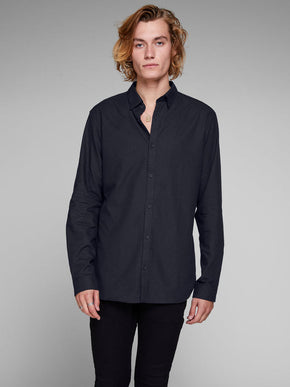 SLIM FIT CLASSIC SOLID SHIRT