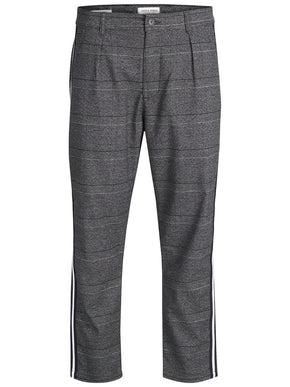 CROPPED PANTS WITH CHECKERED PATTERN