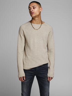 LIGHTWEIGHT ESSENTIAL SWEATER