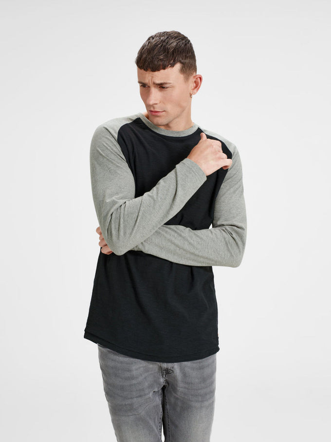 BASEBALL STYLE LONG SLEEVE T-SHIRT TAP SHOE