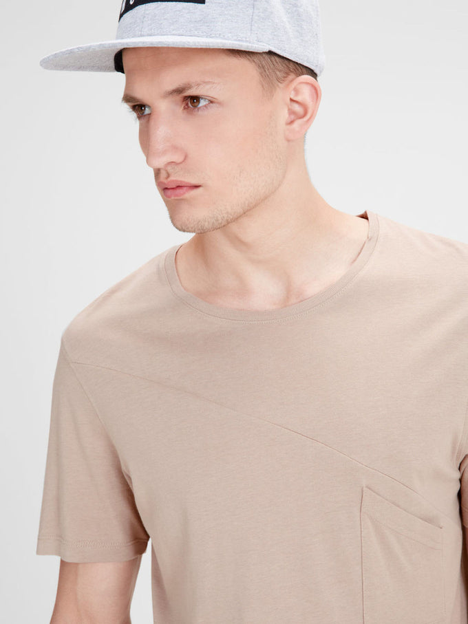 ASYMMETRIC CUT LONG FIT STRETCH T-SHIRT SIMPLY TAUPE