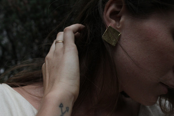 Huntress Studs in gold and silver