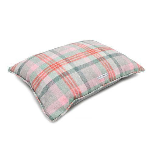 Mutts and Hounds Macaroon Check Tweed Pillow Bed