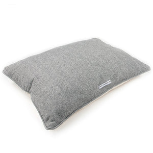 Mutts and Hounds Stoneham Tweed Pillow Bed