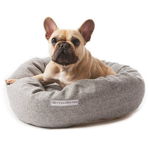 Mutts and Hounds Stoneham Tweed Donut Bed