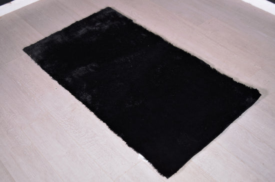 Black Shaggy Rug