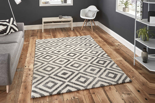 Elegant Rug - Available in Various Colours & Sizes