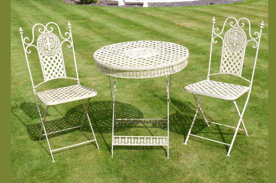 Traditional Style Garden Table & 2x Chair Set - White