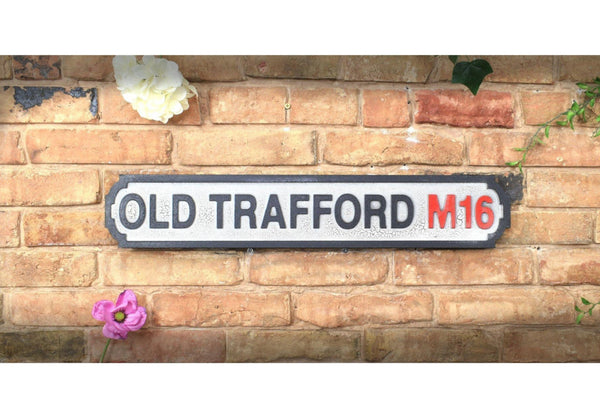 Vintage Style Road Sign - Old Trafford M16