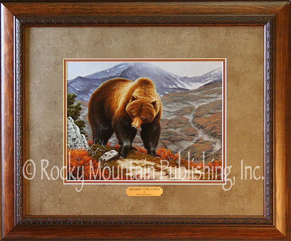 Grubbin for Lunch – Framed Print by Tom Mansanarez