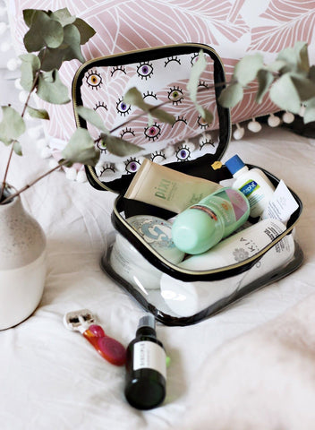 What should every beauty bag consist of?