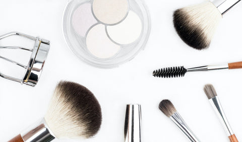 How to pick perfect foundation and brushes for perfect finishing: