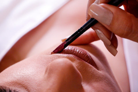 What is lip liner and why it is necessary in beauty products