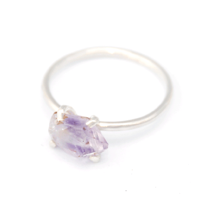 Piece of Earth - Amethyst Ring - 925 Silver