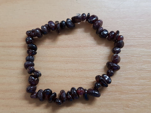 Garnet Chip Bracelet - Earth's Treasures