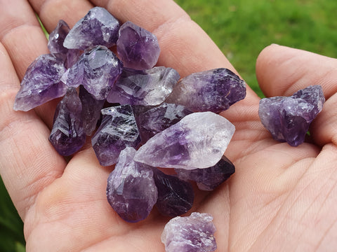 Amethyst natural point 2cm - Earth's Treasures