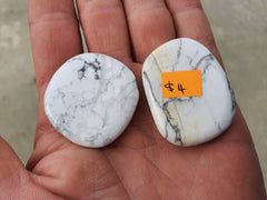 Howlite Pocket Stone - Earth's Treasures