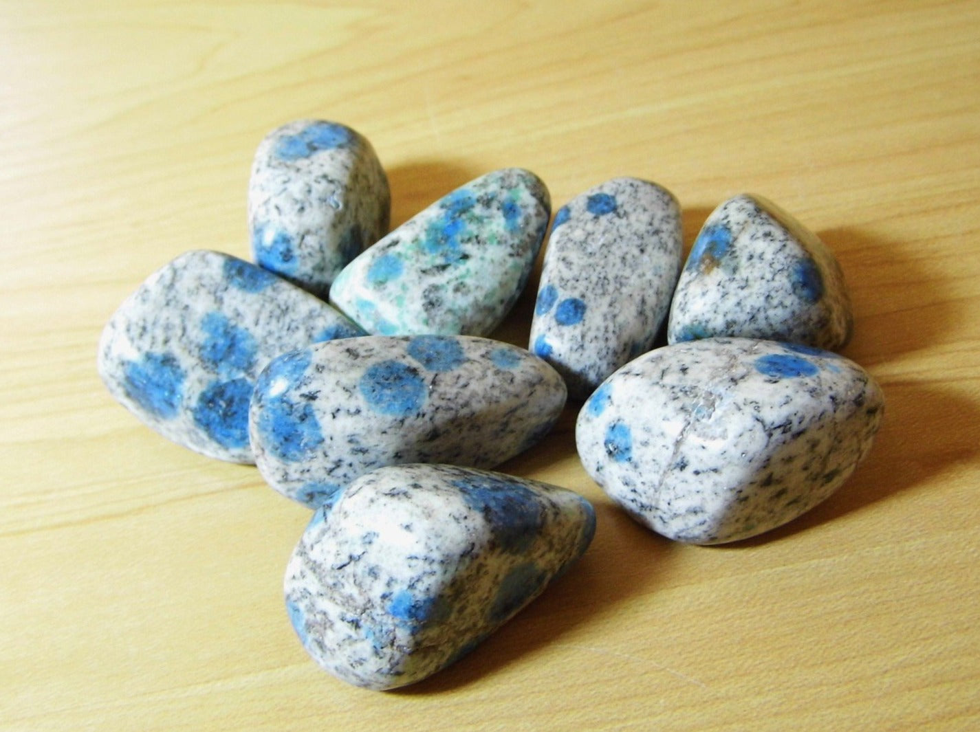 K2-Granite Tumblestone Lrg - Earth's Treasures