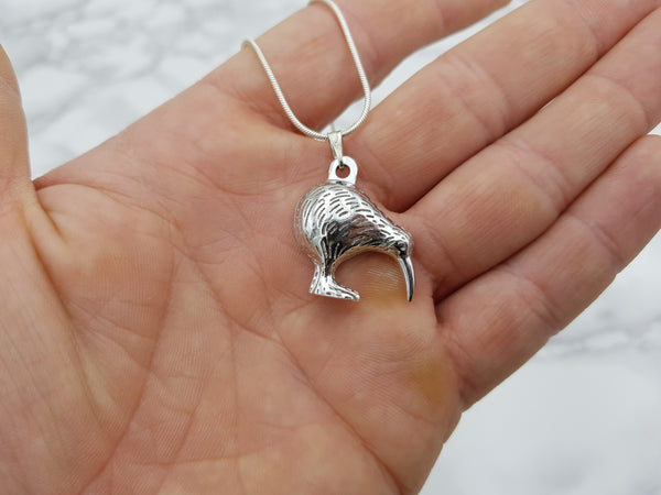 NZ Kiwi Pendant - Earth's Treasures