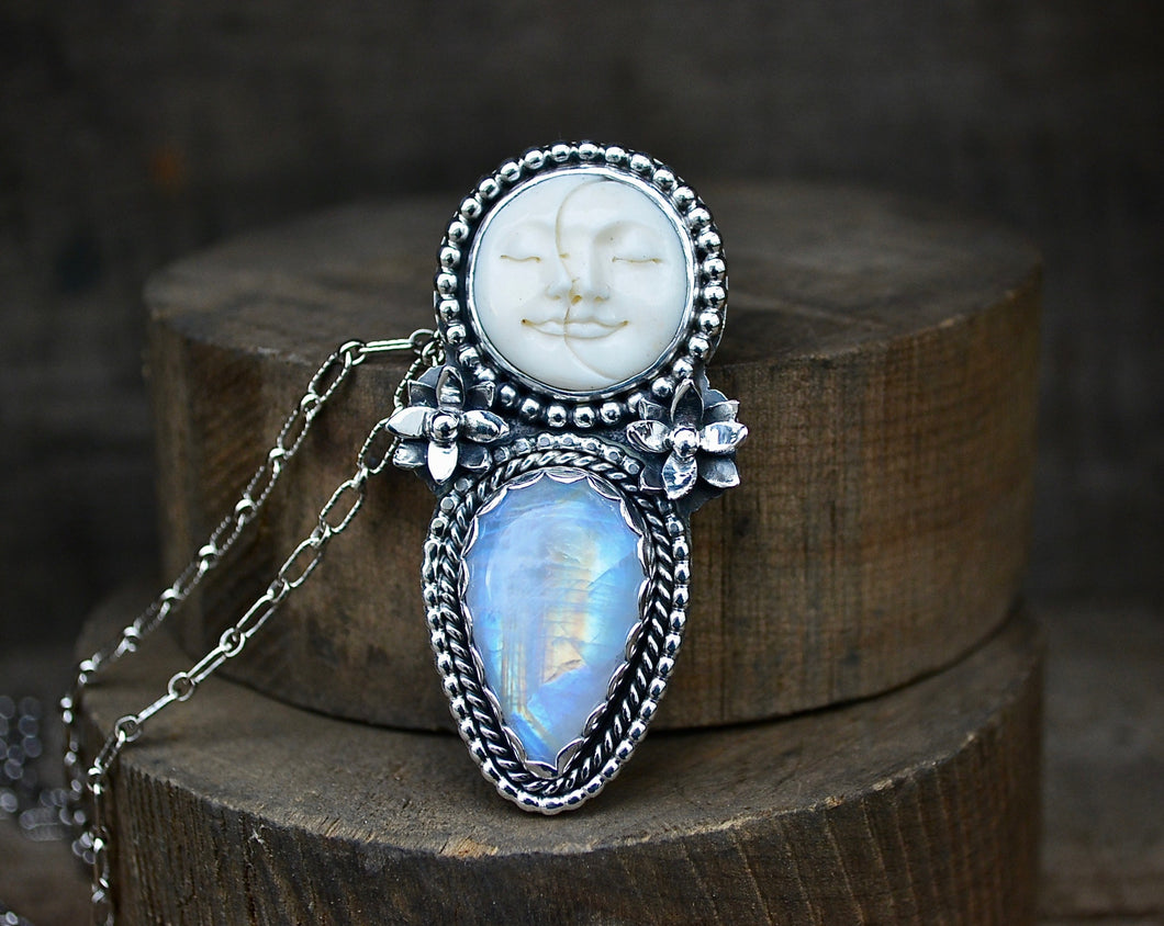 The Sleepy Dreamer Necklace