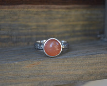 Sale-Peach Moonstone Leaf Patterned Ring