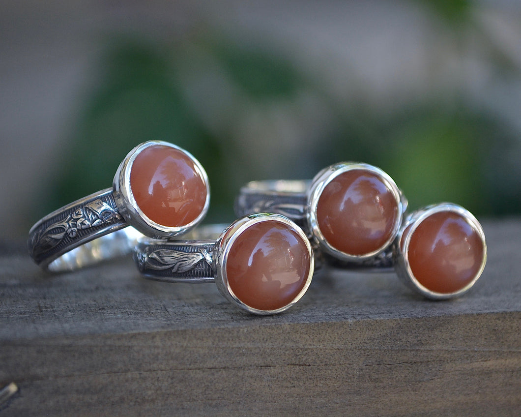 Peach Moonstone Leaf Patterned Ring