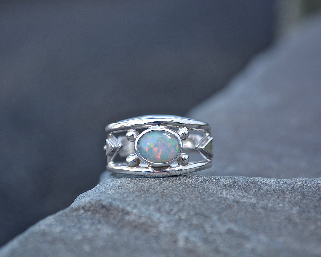 opal ring, handmade opal ring, opal, Ethiopian opal, gemstone ring,meshedesigns