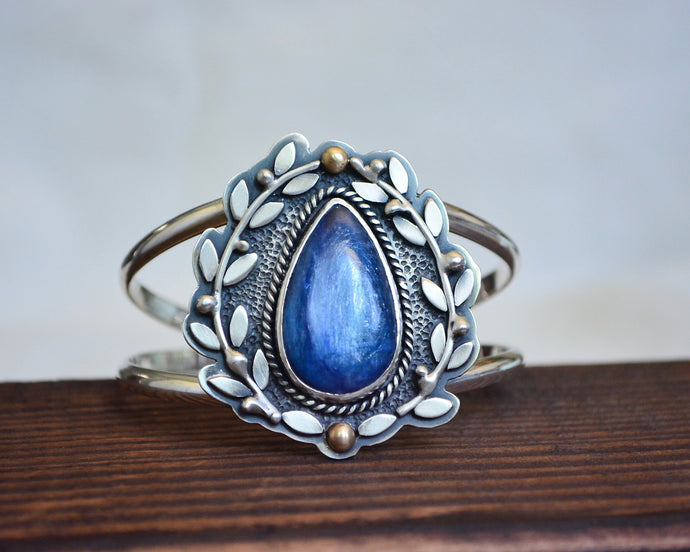 Kyanite Olive Branch Cuff