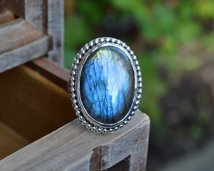 Labradorite Beaded Bail Ring // Size 6.75
