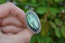 Labradorite Beaded Border Ring // Size 9.25