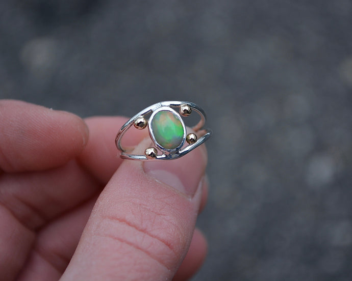 Four Points Opal Ring // Size 6.25