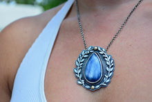 Trillion Labradorite Necklace