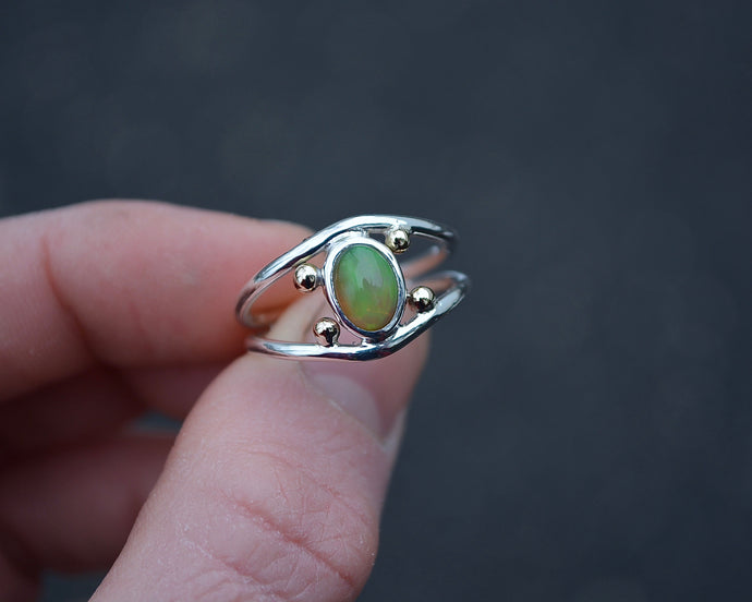 Four Points Opal Ring // Size 7.25-7.5