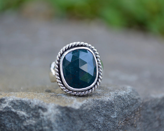 Bloodstone Roped Ring // Size 8