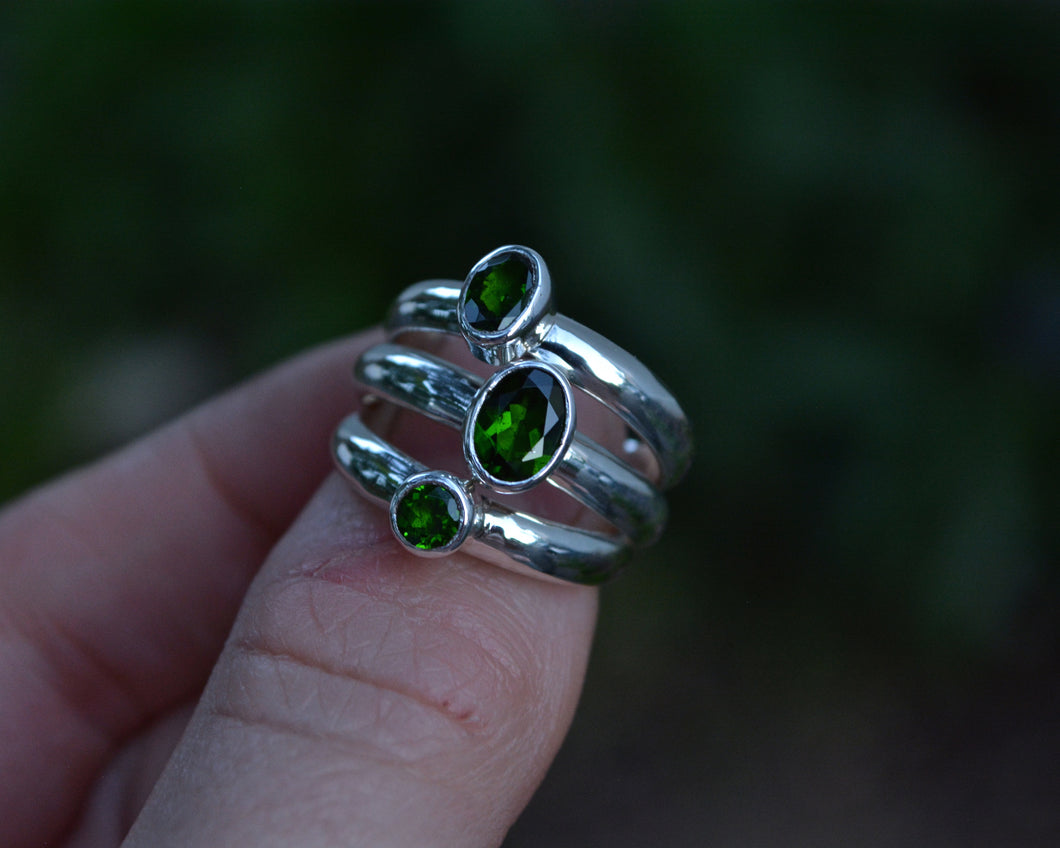 Chrome Diopside Faceted Ring