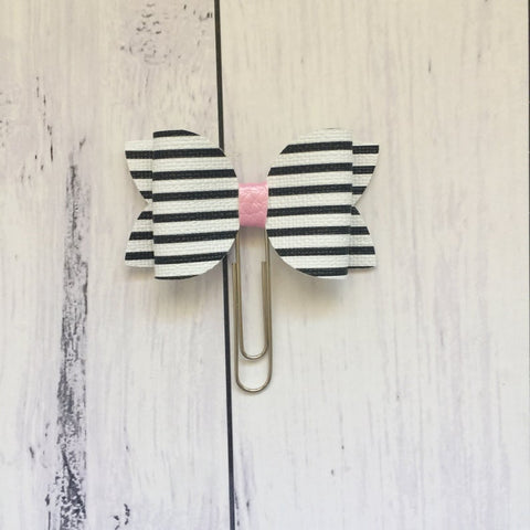 Stripey planner bow clip Spotlight on a Planner Little Tabby Co September 2019