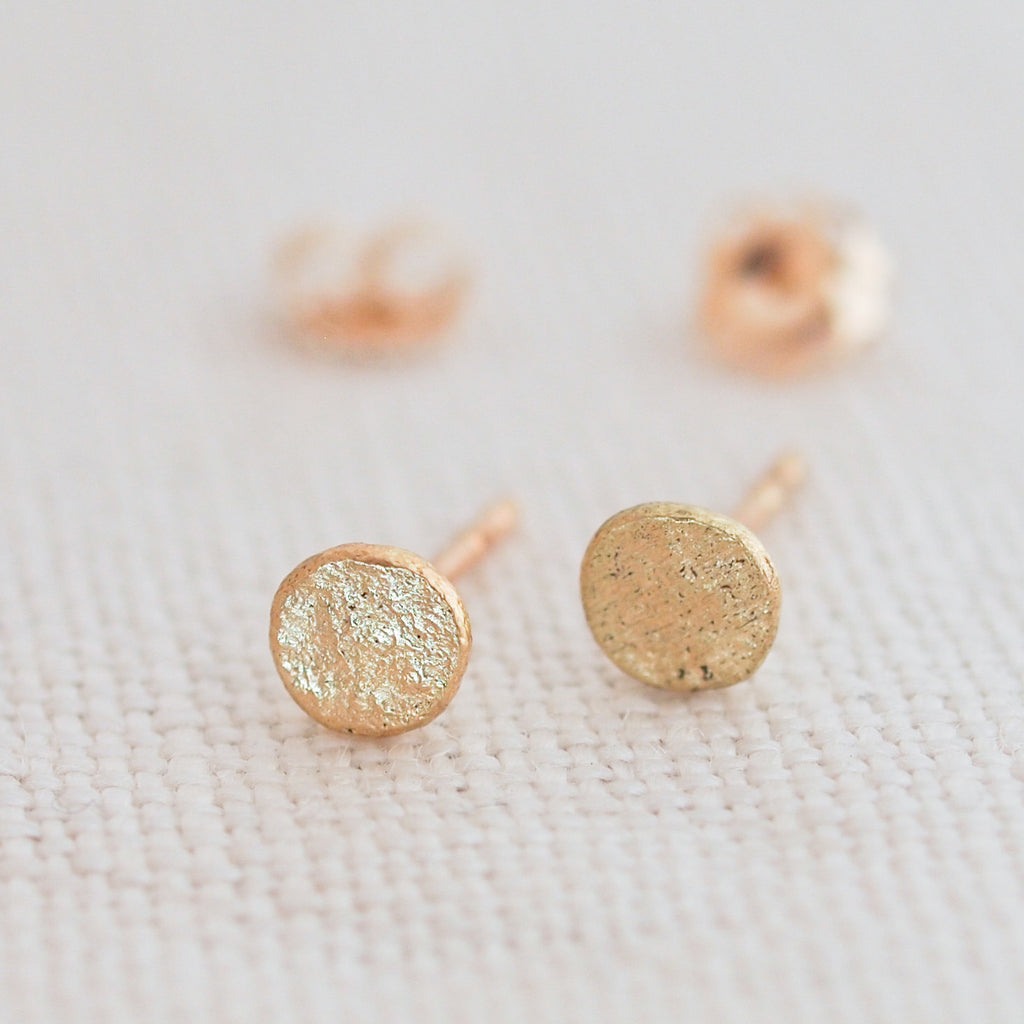 Gold Stud Earrings. Gold Earrings. 18k gold Earrings. Hammered Earrings. Post earrings. Rustic Jewelry. Minimal Jewelry. Harmony Winters