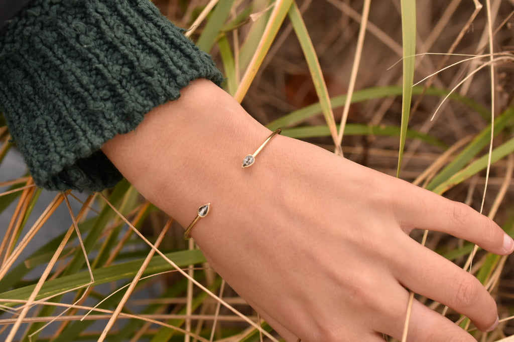 Diamond Droplet Cuff / 14k gold