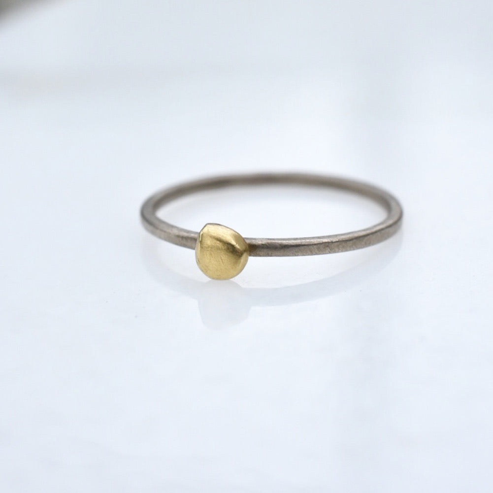 Bud Ring in Palladium + 18k gold