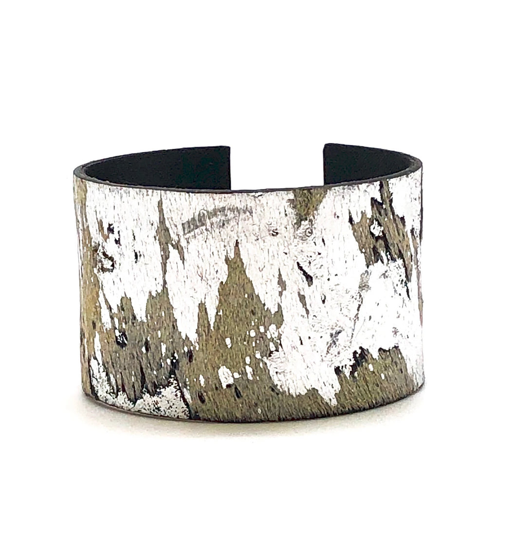 SILVER METALLIC HIDE CUFF
