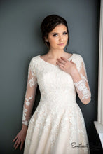 7208- Holly Bridal