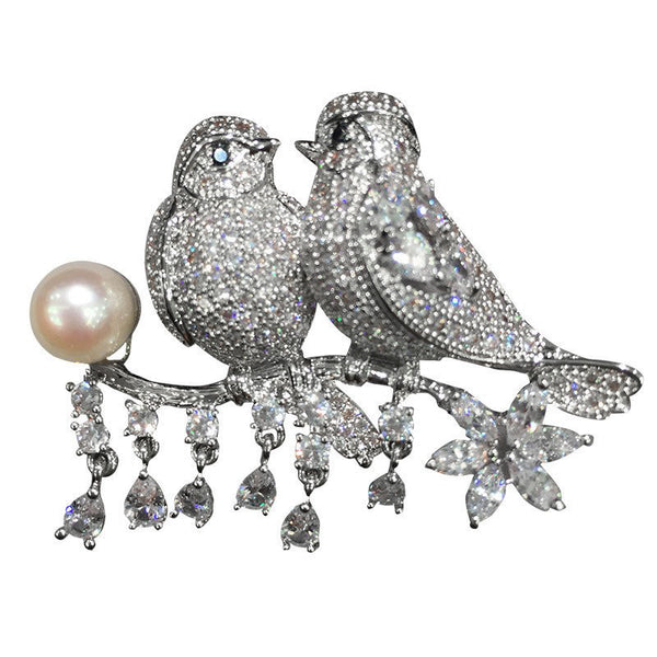 Inséparable | Love Birds Exquisite Fresh Water Pearl & Austrian Crystal Brooch