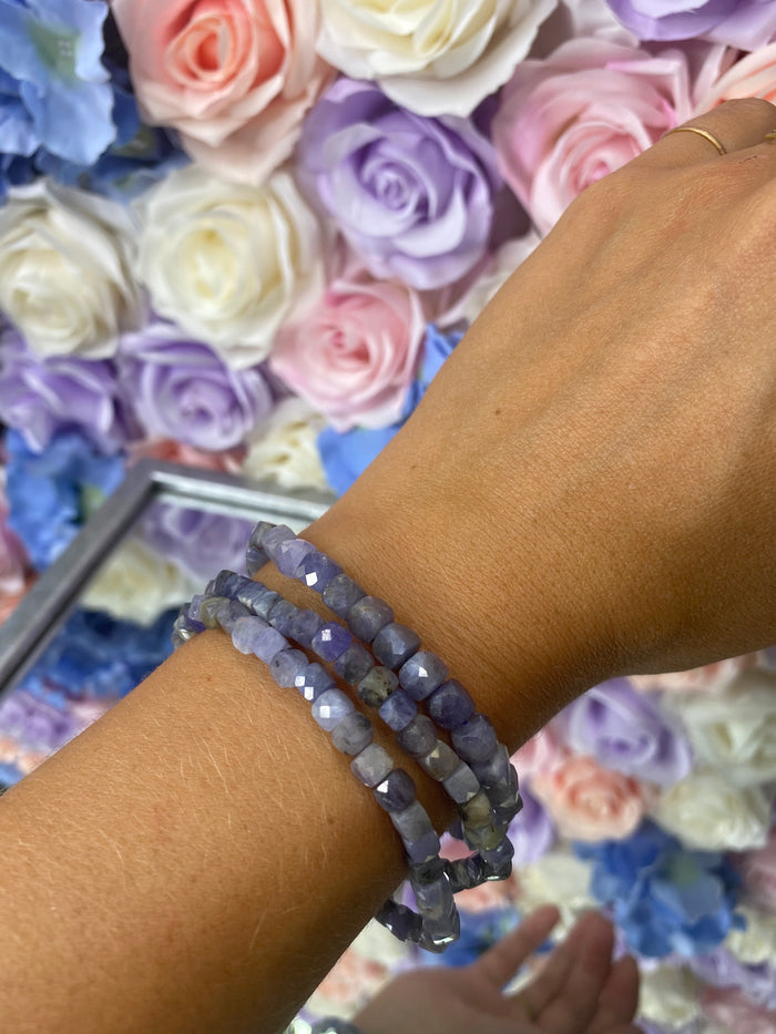 Tanzanite Gemstone Cut Bracelet