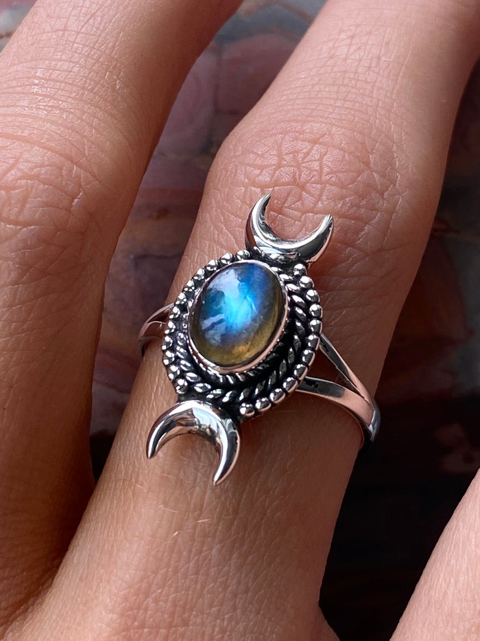 Labradorite Sterling Silver Moon Ring size 8.25