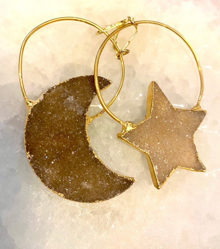 estrella moon and star 14k gold earrings
